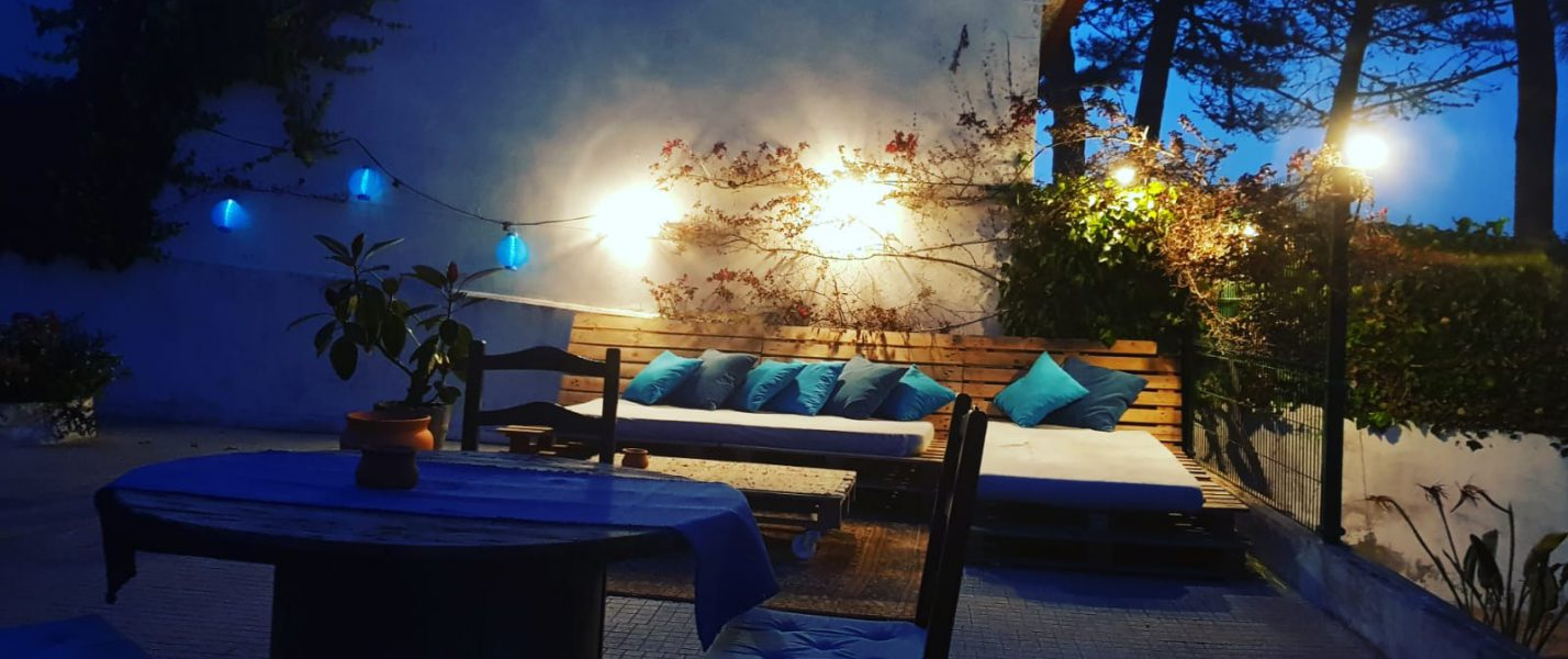 lounge B&B hostel hotel motel surfhouse terras lights garden
