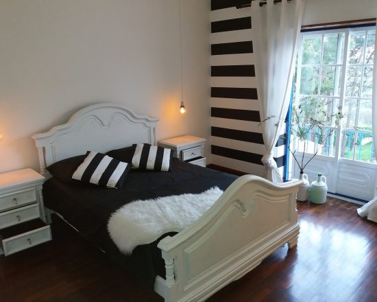 room Greg Noll hostel B&B surfhouse hotel motel